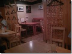 デウラリ食堂店内