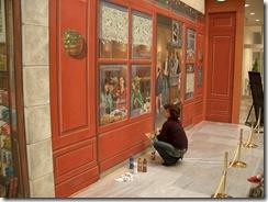 壁画を描き中・・・。