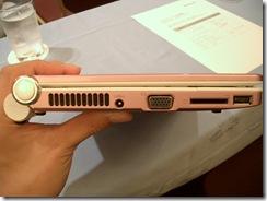 IdeaPad S10e(左側面)