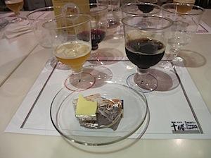 お酒とチーズの相性