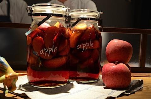 ブランデーにリンゴを漬けたもの