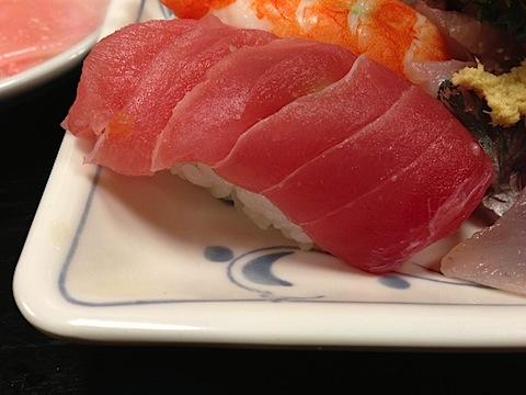 なぜか、にぎり寿司