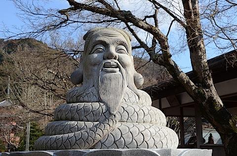 蛇の姿をした宇賀神さん
