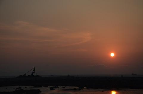 モニュメントと夕陽 その2